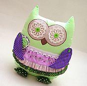 Подушки ручной работы. Ярмарка Мастеров - ручная работа Сова игрушка подушка,зеленый,сиреневый,текстиль,вышивка. Handmade.