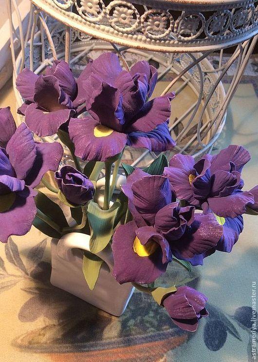 Интерьерные композиции ручной работы. Ярмарка Мастеров - ручная работа. Купить Букет для интерьера Фиолетовые ирисы из полимерной глины. Handmade.