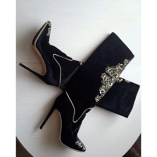 Обувь ручной работы. Ярмарка Мастеров - ручная работа. Купить Бархатные сапоги  с элементами вышивки. Handmade. Черный, индивидуальный стиль