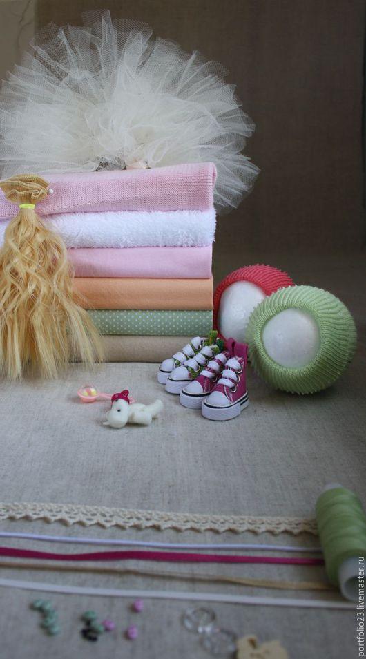 Подбор материалов для пошива куклы №34 ` В саду `