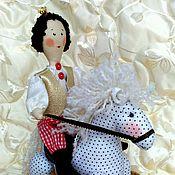 Куклы и игрушки ручной работы. Ярмарка Мастеров - ручная работа Принц на белом коне, кукла ручной работы,подарок на 8 марта. Handmade.
