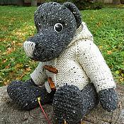 Куклы и игрушки ручной работы. Ярмарка Мастеров - ручная работа Вязаный медведь в жакете. Handmade.