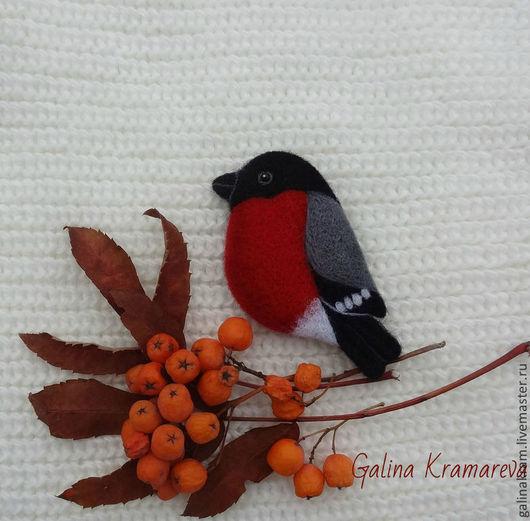"""Броши ручной работы. Ярмарка Мастеров - ручная работа. Купить брошь """"Снегирь"""". Handmade. Ярко-красный, птица"""