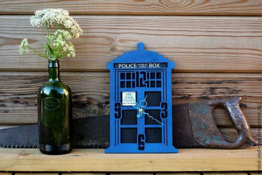 Часы для дома ручной работы. Ярмарка Мастеров - ручная работа. Купить Часы настенные Лондонская Полицейская Будка I. Handmade.