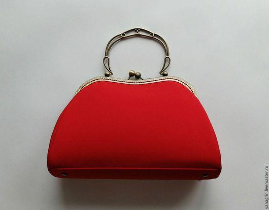 Женские сумки ручной работы. Ярмарка Мастеров - ручная работа. Купить Красный ридикюль. Handmade. Ярко-красный, на фермуаре