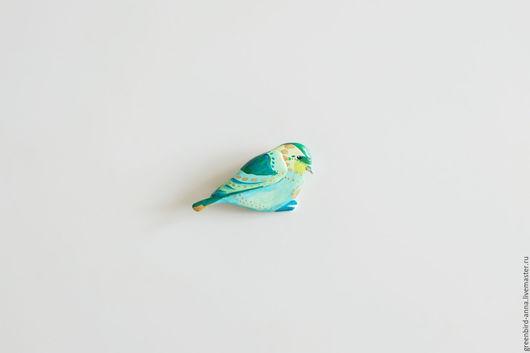 Броши ручной работы. Ярмарка Мастеров - ручная работа. Купить Птица Чиж. Handmade. Зеленый, брошь, подарок, поле, белый