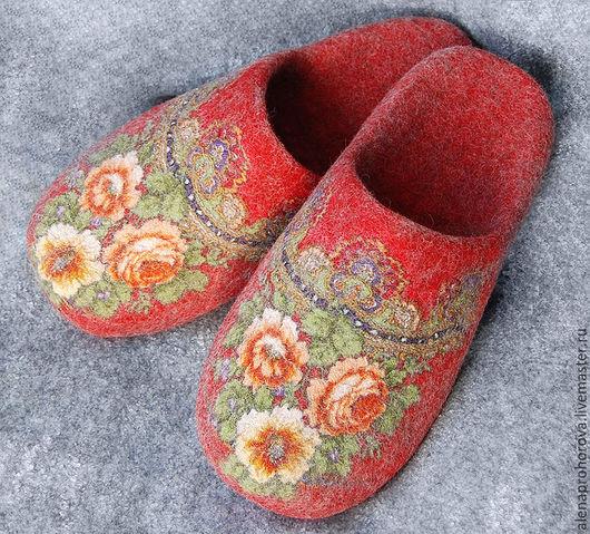 """Обувь ручной работы. Ярмарка Мастеров - ручная работа. Купить Тапочки валяные """"Королевский красный"""". Handmade. Тапочки, тапки"""