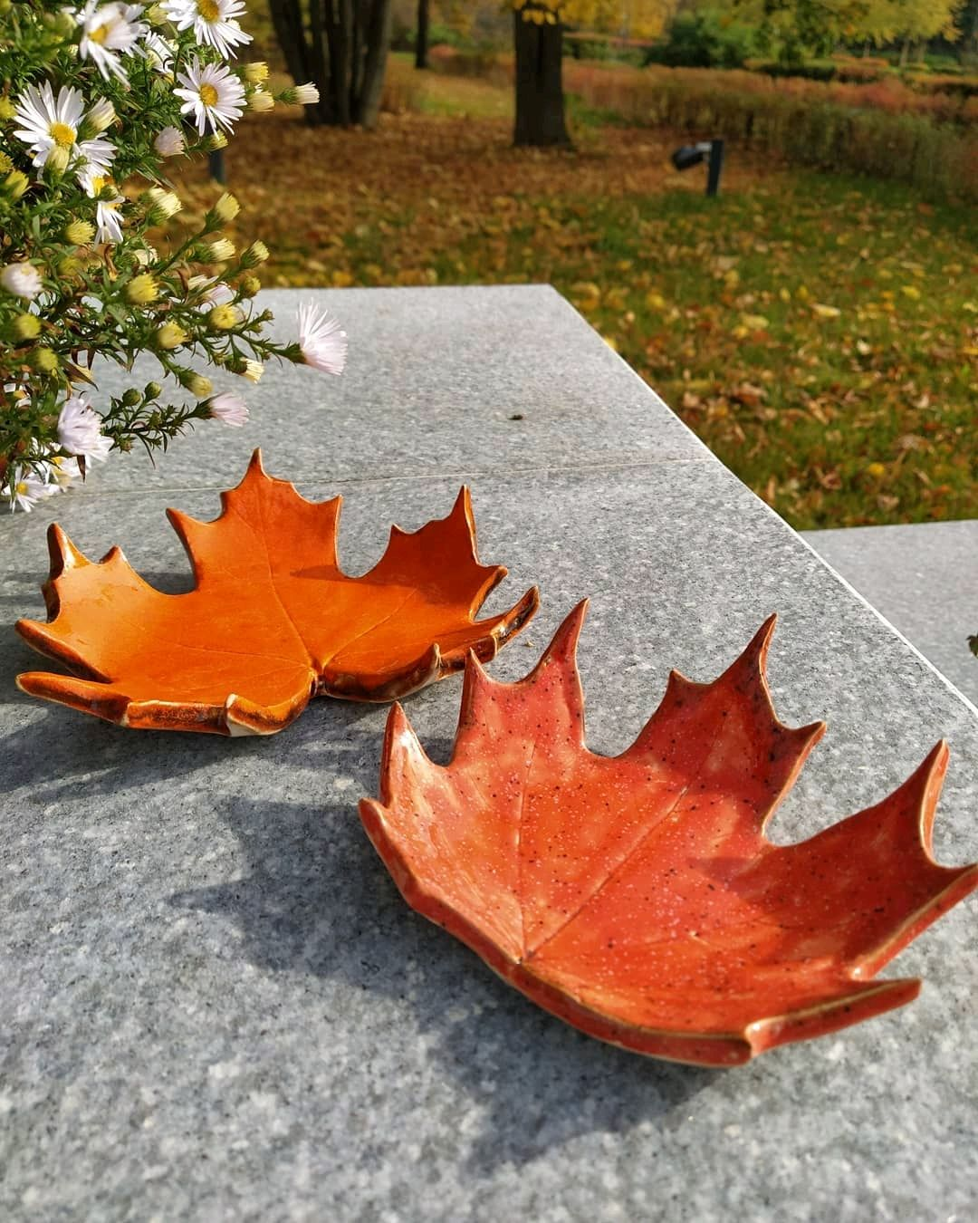 Кленовый лист из керамики – купить на Ярмарке Мастеров – MGVZWRU   Подсвечники, Химки