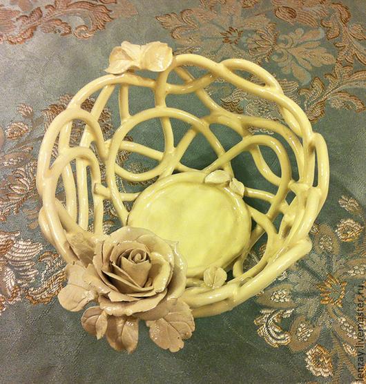 Конфетница `Сливочный ажур`. Плетеная керамика и керамические цветы Елены Зайченко
