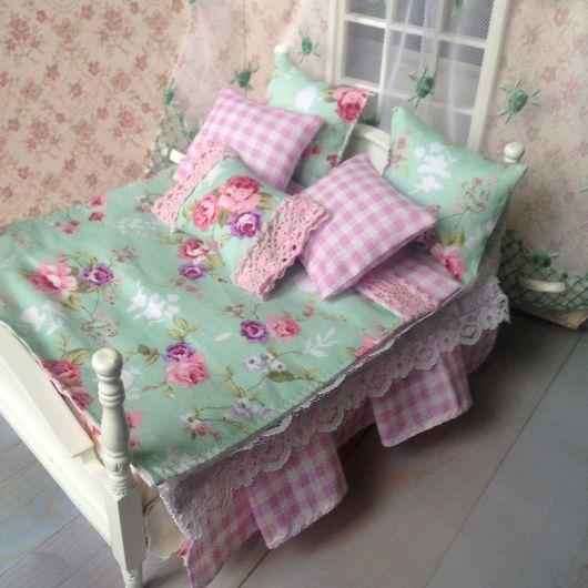 Куклы и игрушки ручной работы. Ярмарка Мастеров - ручная работа. Купить Миниатюра постельное белье в мятно-розовых и салатовых тонах. Handmade.
