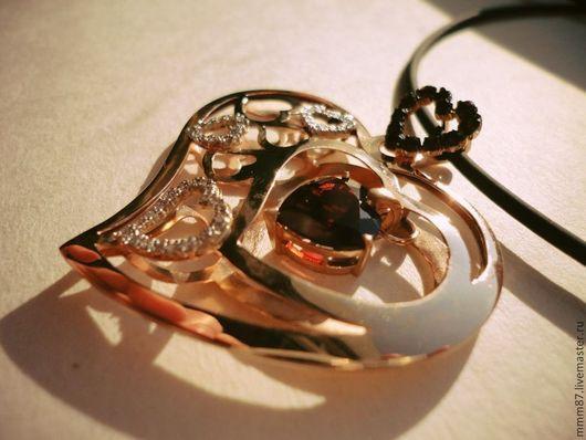 """Кулоны, подвески ручной работы. Ярмарка Мастеров - ручная работа. Купить Подвеска """"Гранатовое сердце"""". Handmade. Ярко-красный, подарок"""