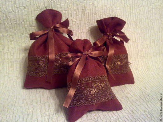 Льняные мешочки для подарков. Для украшения кухни . Наполнив травами можно сделать саше. Для саше руной работы.