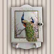 Для дома и интерьера ручной работы. Ярмарка Мастеров - ручная работа Ключница Павлин в светлом (ключница настенная, ключница-шкафчик). Handmade.