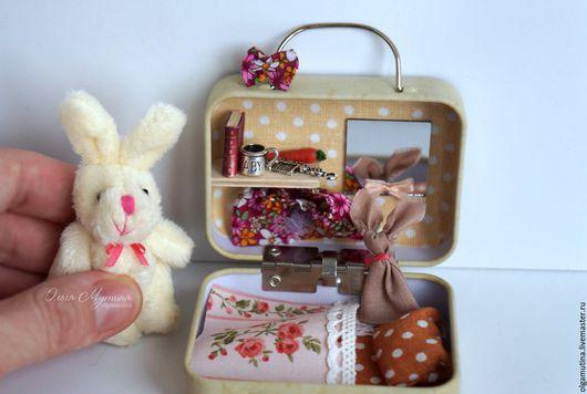 Кукольный дом ручной работы. Ярмарка Мастеров - ручная работа. Купить Зайка-путешественница. Handmade. Бежевый, мини домик