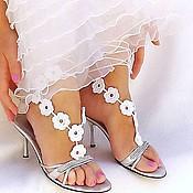 Свадебный салон ручной работы. Ярмарка Мастеров - ручная работа Свадебное украшение для ног,вязаные босые сандалии. Handmade.