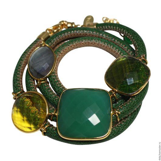 Браслеты ручной работы. Ярмарка Мастеров - ручная работа. Купить Браслет из зелено-бежевой итальянской кожи с полудрагоценными камнями. Handmade.