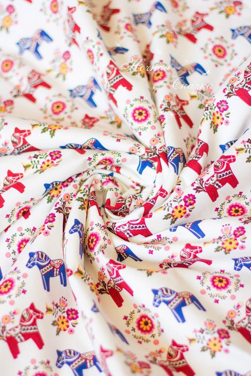 """Пледы и одеяла ручной работы. Ярмарка Мастеров - ручная работа. Купить Детское плюшевое одеяло в коляску или в кроватку """"Лошадки"""". Handmade."""