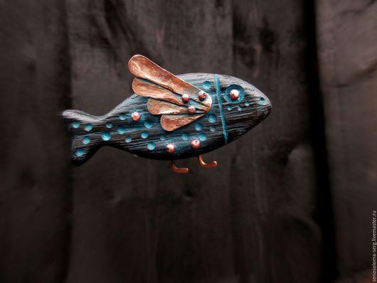 """Броши ручной работы. Ярмарка Мастеров - ручная работа. Купить Брошь """"Рыба"""". Handmade. Брошь из дерева, рыбка, медь"""