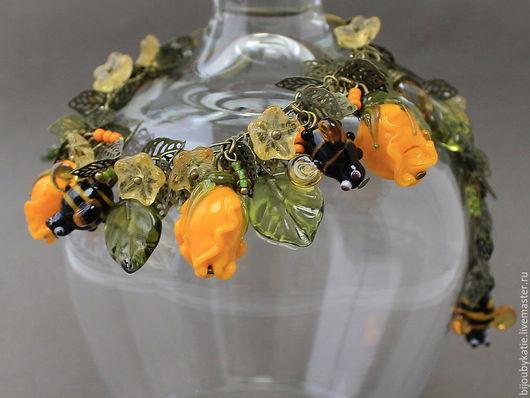 Комплект украшений лэмпворк: браслет и серьги желтые розы Браслет выполнен из авторских стеклянных бусин ручной работы в технике лэмпворк | lampwork  Серьги также с использованием моих стекляннх бус