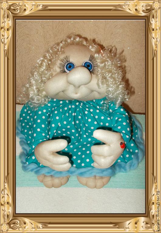 Мечтательная интерьерная  кукла Маняша. Выполнена в скульптурно-текстильной технике. Высота куклы 45 см. ПРОДАЁТСЯ!
