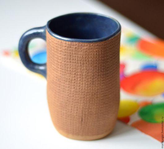 Кружки и чашки ручной работы. Ярмарка Мастеров - ручная работа. Купить Вафельная кружка. Handmade. Коричневый, синяя глазурь, молочение