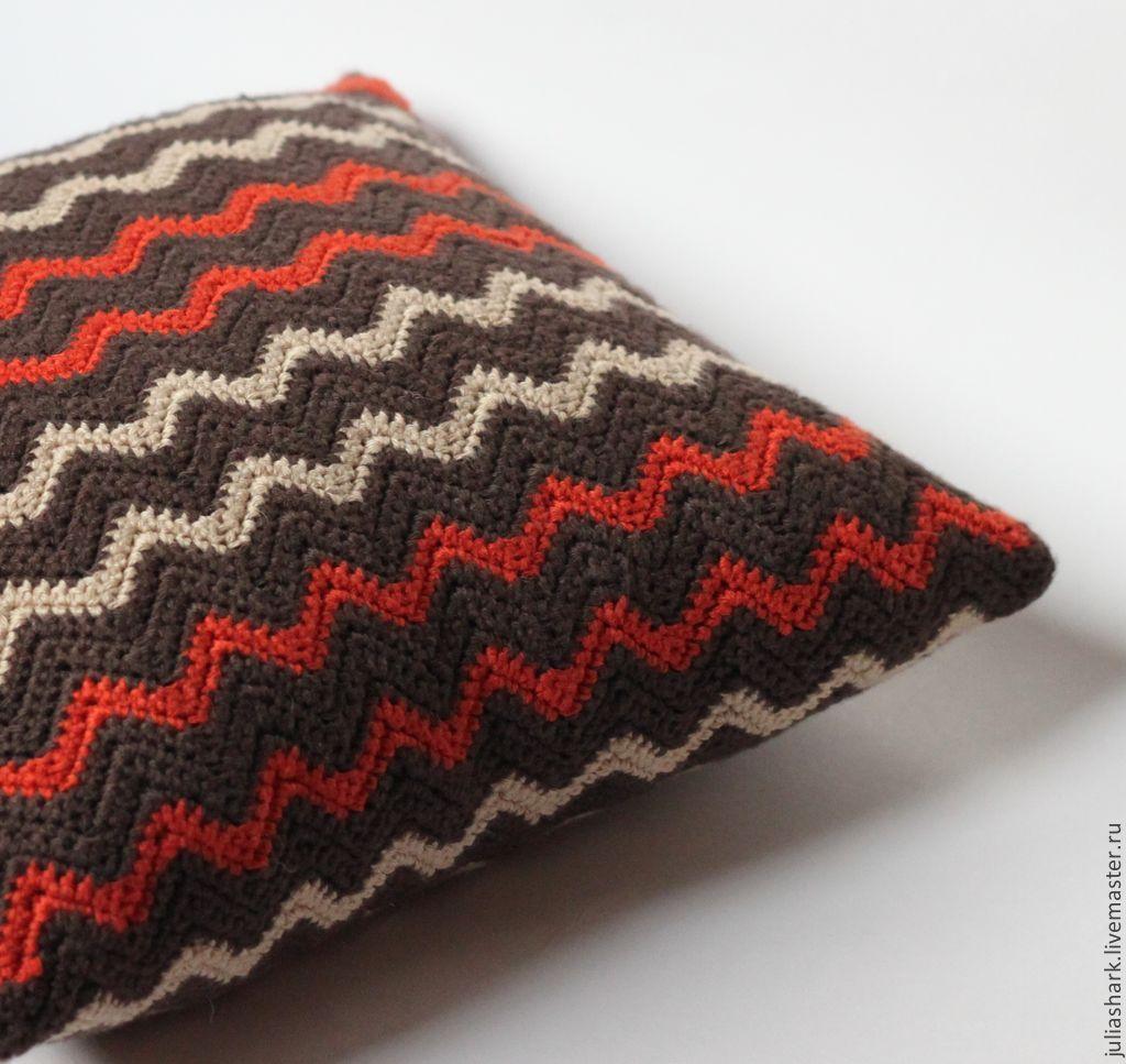 Вязаная подушка - думочка \