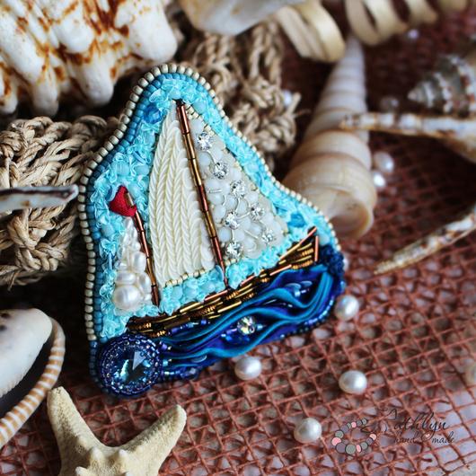 """Броши ручной работы. Ярмарка Мастеров - ручная работа. Купить Вышитая брошь """"Кораблик"""". Handmade. Вышивка бисером, кораблик"""