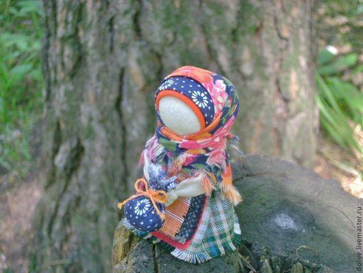 """Народные куклы ручной работы. Ярмарка Мастеров - ручная работа. Купить Куколка Подорожница """"В цветастом полушалочке"""". Handmade. Оранжевый"""