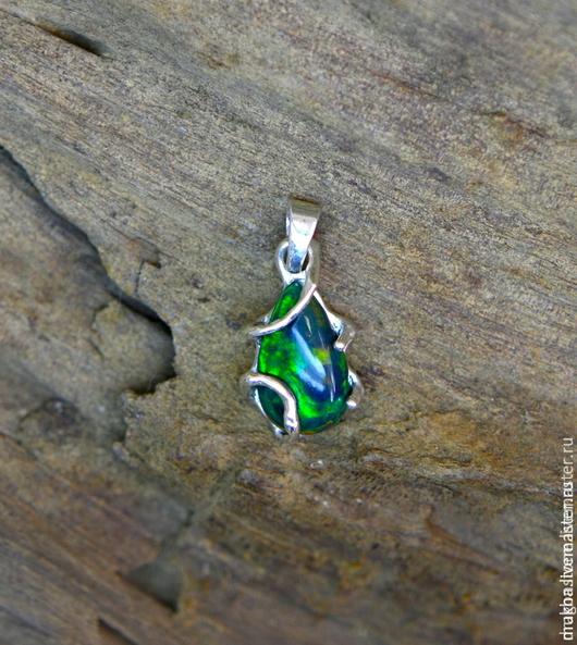 """Кулоны, подвески ручной работы. Ярмарка Мастеров - ручная работа. Купить Кулон """"Zirtsea"""" с черным опалом. Handmade. Зеленый"""