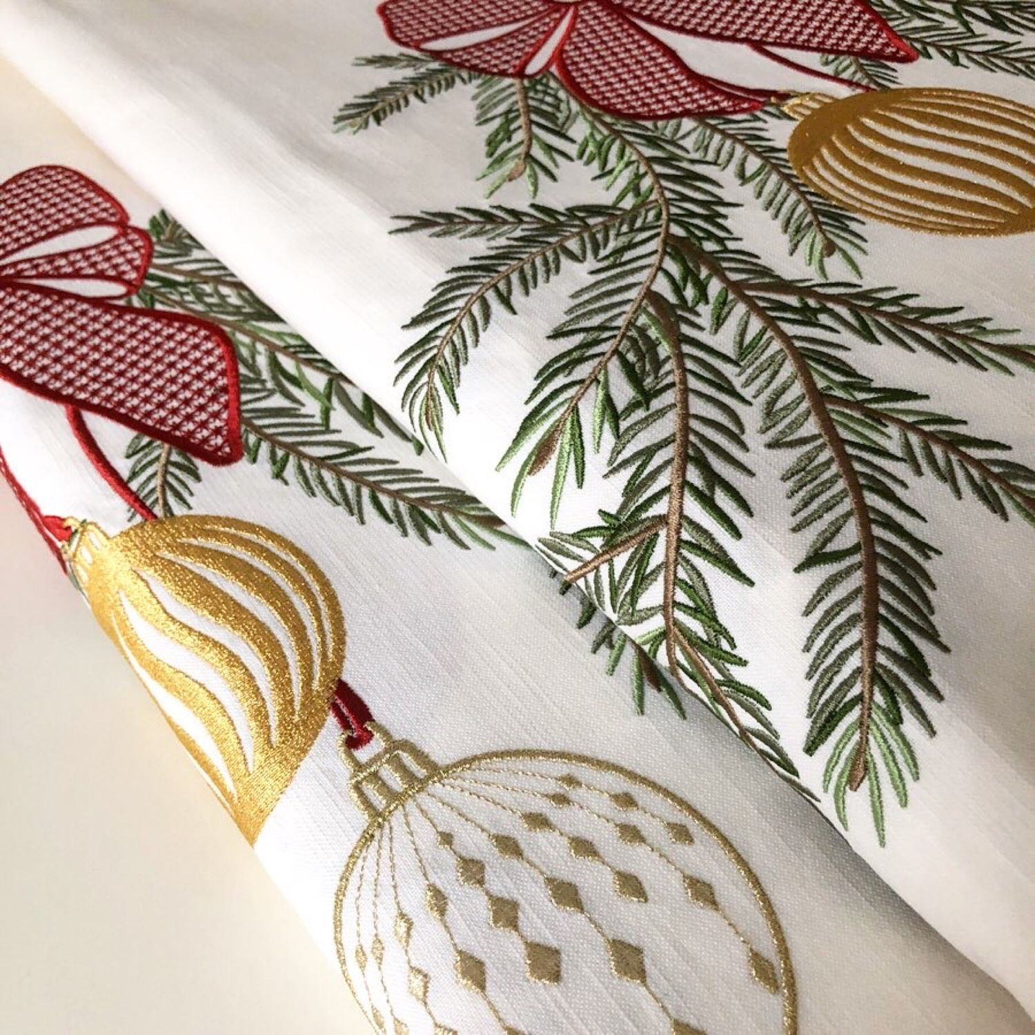 Table cloth with embroidery ' fir garland», Tablecloths, Moscow,  Фото №1