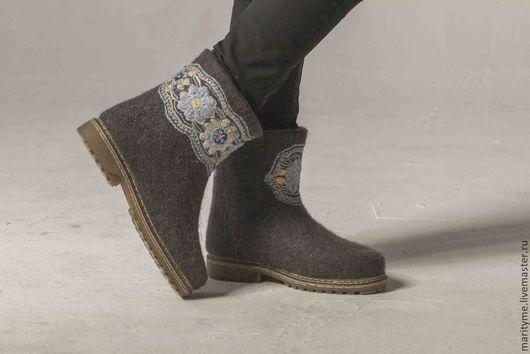"""Обувь ручной работы. Ярмарка Мастеров - ручная работа. Купить Валенки """"Кружева"""". Handmade. Тёмно-синий, вышивка, кружево"""