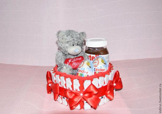 Персональные подарки ручной работы. Ярмарка Мастеров - ручная работа. Купить Тортик из киндеров с Нутеллой. Handmade. Подарок на день рождения