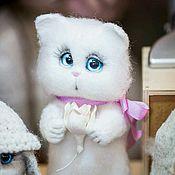 Куклы и игрушки handmade. Livemaster - original item Big white cat (toy made of wool). Handmade.