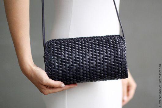 """Женские сумки ручной работы. Ярмарка Мастеров - ручная работа. Купить Кожаная сумка - бочонок """"Milo"""" (синий), синяя кожаная сумка. Handmade."""