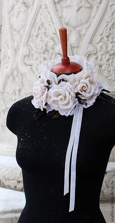 Воротнички ручной работы. Ярмарка Мастеров - ручная работа. Купить Валяный воротничок из белых роз Снежные розы. Handmade. Белый