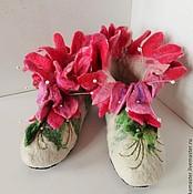 """Обувь ручной работы. Ярмарка Мастеров - ручная работа Тапочки домашние валяные. Валенки для дома """"Розовый цветок"""". Handmade."""