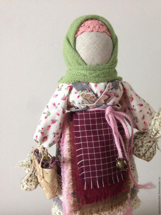Народная кукла, Берегиня дома, оберег для дома, оберег для семьи, русский стиль, бордовый, зеленый, серый, розовый, голубой.