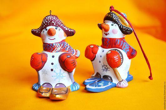 Снеговик на лыжах.Ёлочная игрушка.Авторская работа.