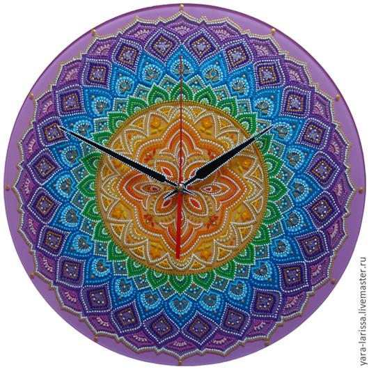 Часы настенные интерьерные. Точечная роспись. Часы настенные большие `Радуга`. Часы-мандала ручная роспись по стеклу.