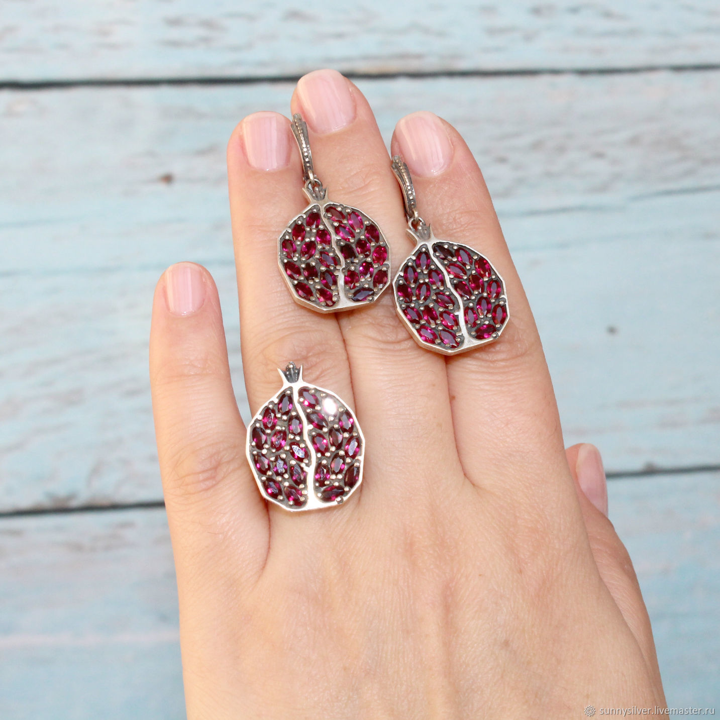Earrings And garnet ring made of 925 sterling silver with faceted garnets, Jewelry Sets, Yerevan,  Фото №1