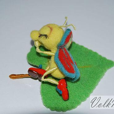 Миниатюрная игрушка из шерсти жук Сладкий сон