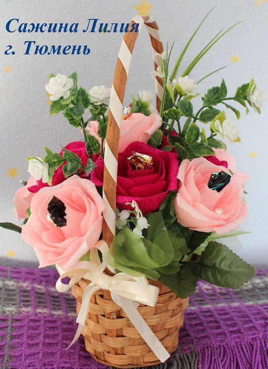 """Букеты ручной работы. Ярмарка Мастеров - ручная работа. Купить Корзинка с цветами из конфет """"Розовая нежность"""". Handmade. Бледно-розовый"""
