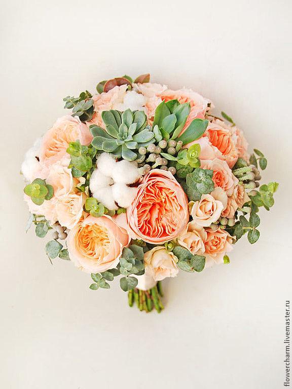 Кремовый букет невесты из пионовидных роз
