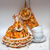 """Для дома и интерьера ручной работы. Ярмарка Мастеров - ручная работа Грелка на чайник и прихватки """"Апельсиновый кекс"""" Подарок на новоселье. Handmade."""