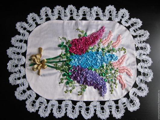 """Текстиль, ковры ручной работы. Ярмарка Мастеров - ручная работа. Купить Салфетка, вышитая атласными лентами лентами """"сирень"""". Handmade."""