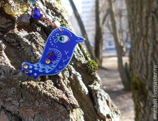 """Кулоны, подвески ручной работы. Ярмарка Мастеров - ручная работа. Купить Кулон """"Синяя птица"""". Handmade. Синий, металлические бусины"""