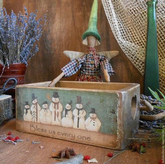 Деревянный короб с весёлыми новогодними снеговиками. Кантри стиль. `LedaksDecor`