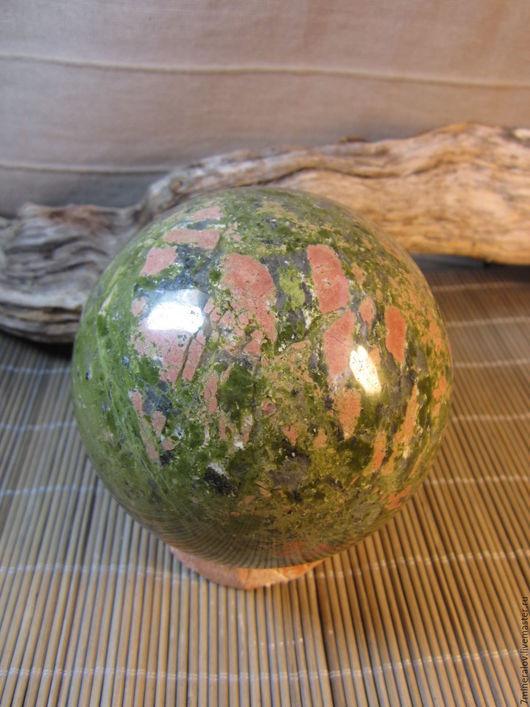 """Персональные подарки ручной работы. Ярмарка Мастеров - ручная работа. Купить 1.57кг. Шар Унакит """"Красное - зелёное"""" Природный камень. Handmade."""