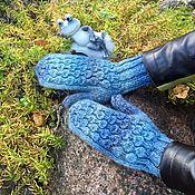 """Аксессуары ручной работы. Ярмарка Мастеров - ручная работа Варежки женские вязаные """"Бараш"""" голубые. Handmade."""