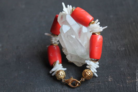 """Браслеты ручной работы. Ярмарка Мастеров - ручная работа. Купить Браслет с кораллом """"Дары моря"""". Handmade. Коралловый, браслет с камнями"""